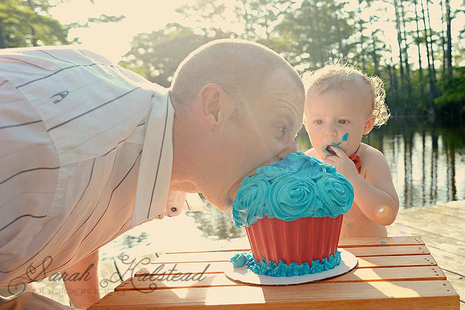Virginia Beach Cake Smash Photographer